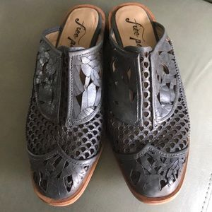 Free People Paramount Grey Leather Mules SZ 7